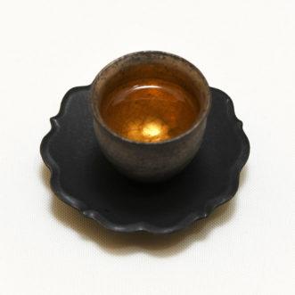 綺麗な茶器に注がれた木柵鐵観音